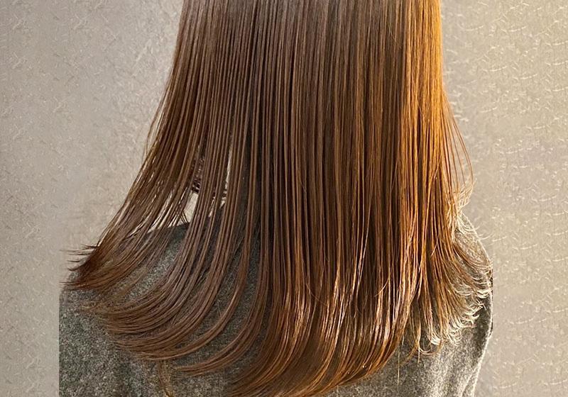 大人女性の髪のお悩みを解決する為にSESSIONでは多種多様なトリートメント剤をご用意し、お客様一人ひとりのお悩みや理想に合わせて、選定、複合します。年齢とともにヘアスタイルを諦めることなくいつまでもオシャレを楽しんで頂けます。